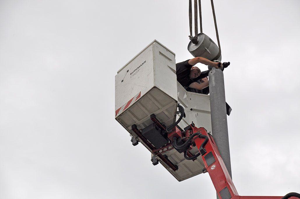 Generator der Windkraft-Anlage anflanschen